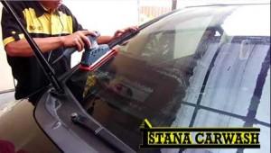 membersihkan-jamur-kaca-pada-mobil