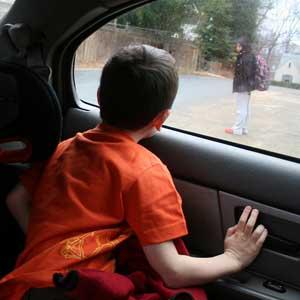 Merawat-Jendela-Mobil