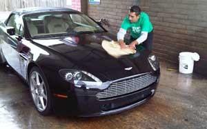 Hindari-4-Hal-Ini-Saat-Mencuci-Mobil