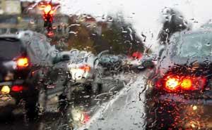 Tips-Mencuci-Mobil-Saat-Musim-Hujan